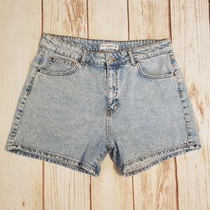 Pull&Bear Light Wash High Waist Mom Shorts Size 32